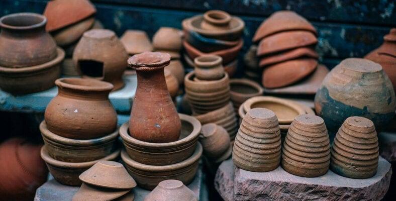 Braune Keramik Töpferwaren Marktstand Online Kaufen