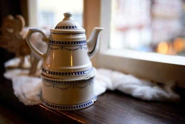 Porzellan Keramik Kaffeekanne Weiß Blau