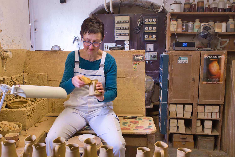 Toepferei Steffi Berndt Anbieter Keramiko Bei Arbeit
